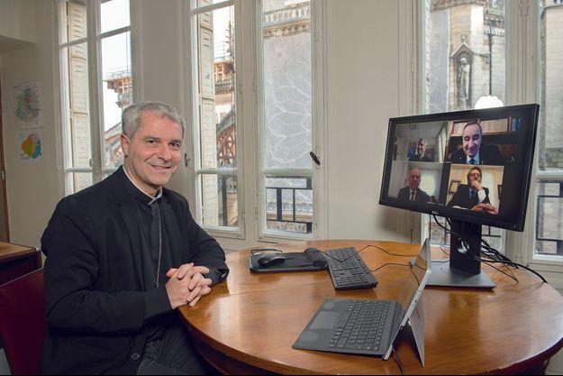 Les représentants des cultes protestant, musulman et juif, en visioconférence le 14 mai dans le bureau du catholique Mgr Jachiet, face à Notre-Dame.