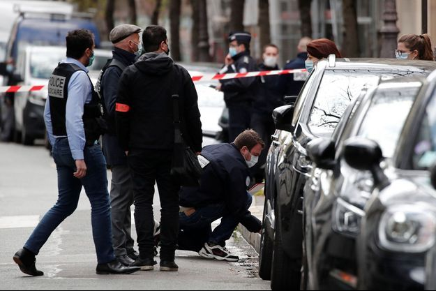 La police enquête sur les lieux du drame.