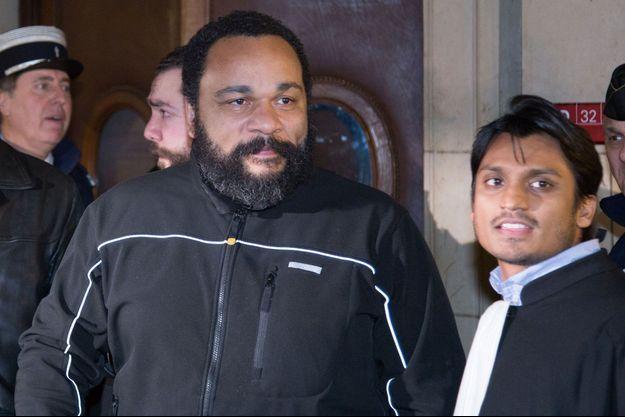 Dieudonné au tribunal en février 2015.