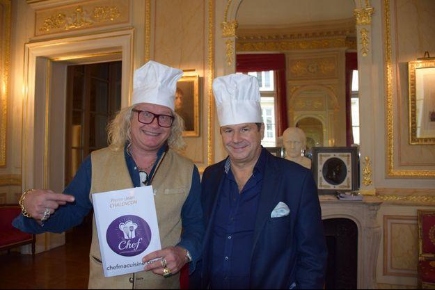 Pierre-Jean Chalençon, avec Christophe Leroy (à droite) au palais Vivienne.