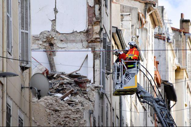 Des recherches rue d'Aubagne, à Marseille jeudi.