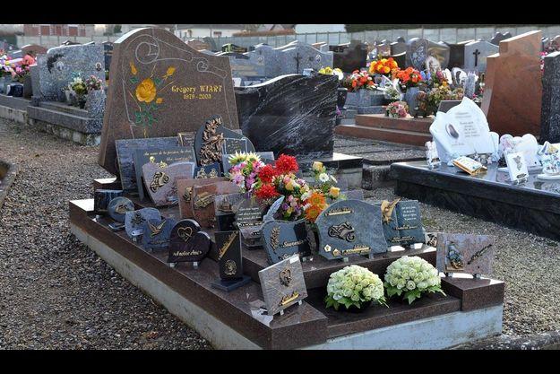 La tombe de Grégory Wiart, décédé dans un accident de la route en 2003