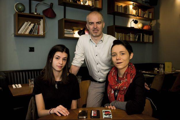 Lydia, Samuel, et Maureen se reconstruisent après les attentats de Paris.