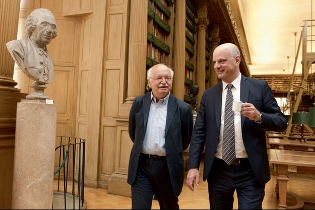 En plein week-end d'avant remaniement, devant Jean-Michel Blanquer qui ignore encore quel sera son portefeuille, Erik Orsenna évoque ses souvenirs du temps où il était le conseiller culturel de François Mitterrand.