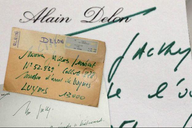 L'enveloppe, libellée de sa main, a été postée le 11 décembre 2003 à 18 heures, pour «Monsieur Jacques Imbert, matricule 52 539, cellule 878, maison d'arrêt de Luynes».