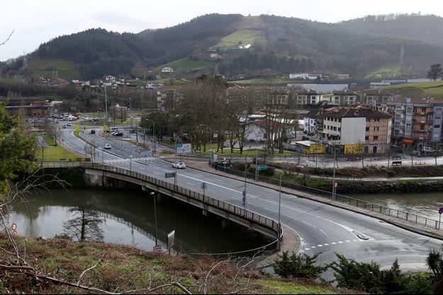 Le pont Saint-Jacques, un pont entre la France et l'Espagne, dans les Pyrénées. Image d'illustration.