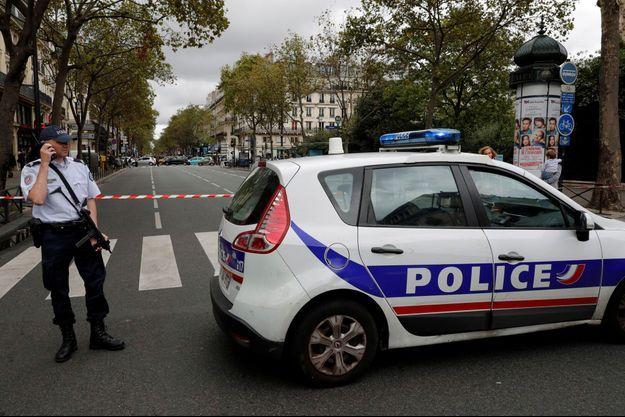 Un adolescent de 16 ans a été arrêté dans le cadre de l'enquête sur la fausse alerte terroriste à Paris.
