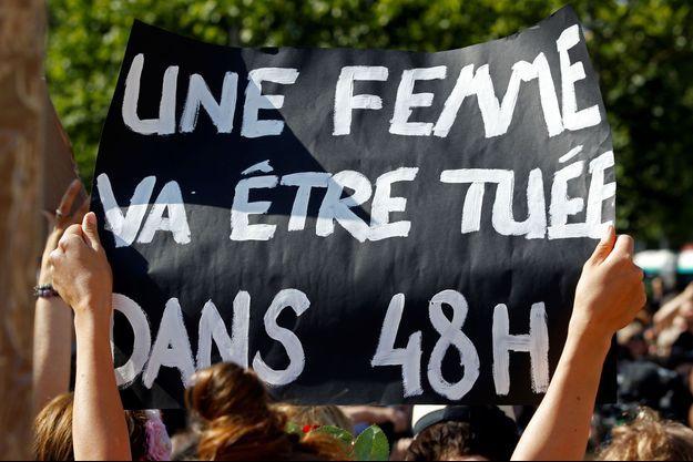 Une manifestation contre les féminicides en France.