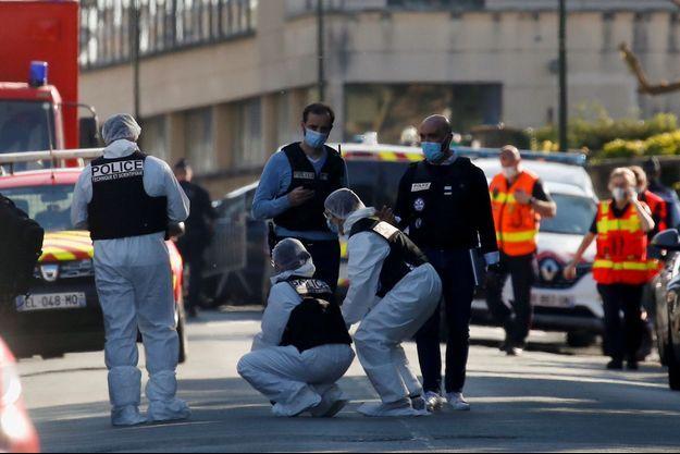 La police sur le lieu du drame, le 23 avril 2021.