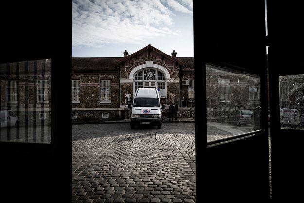 Un détenu s'est évadé dimanche après-midi de la prison de Fresnes (Val-de-Marne).
