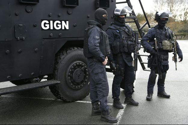 Des membres du GIGN