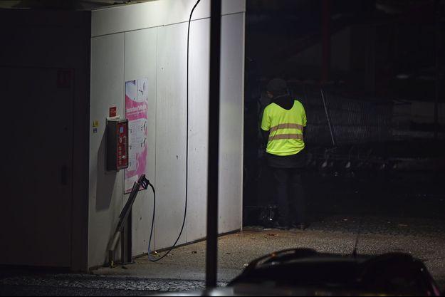 L'homme menaçait de faire exploser une station service près d'Angers.