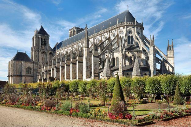 """Bourges, dont voici la célèbre cathédrale, pourrait être samedi le théâtre de manifestations des """"gilets jaunes"""""""