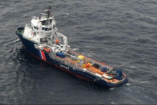 Le remorqueur de la Marine nationale l'Argonaute.