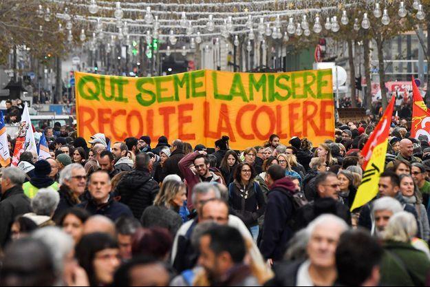 Manifestation contre la réforme des retraites, jeudi, à Marseille.