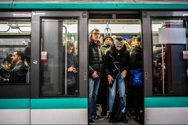 Une rame de métro.