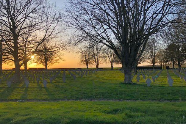 Un cimetière militaire en Picardie.