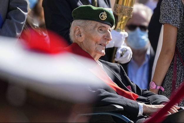 Hubert Germain, lors de la commémoration de l'Appel du 18 juin, au Mont Valérien, en 2021.