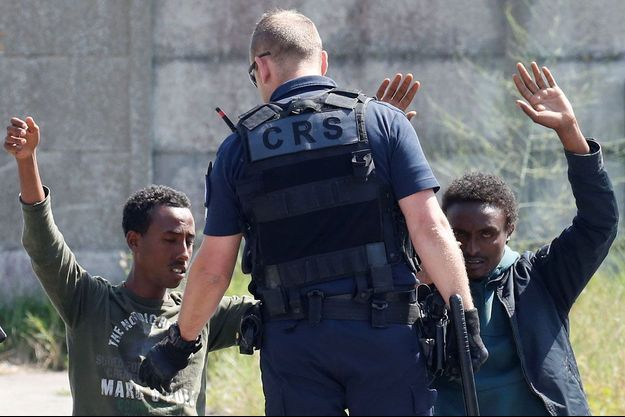 Une intervention des CRS à Calais