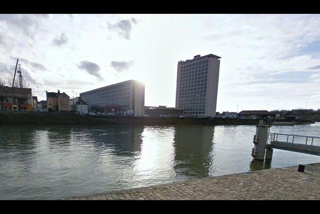Le drame s'est déroulé sur les quais de Seine, à deux pas de la rue rue du Château, à Melun.