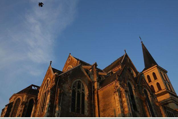 Photo de l'église de Geste, en 2013.