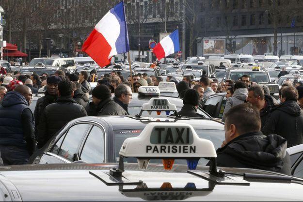 Les taxis mettent fin à leur grève