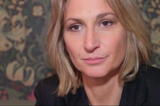 Ingrid Brinsolaro, un an après la mort de son mari Franck Brinsolaro, tué lors des attentats de Charlie Hebdo le 7 janvier 2015