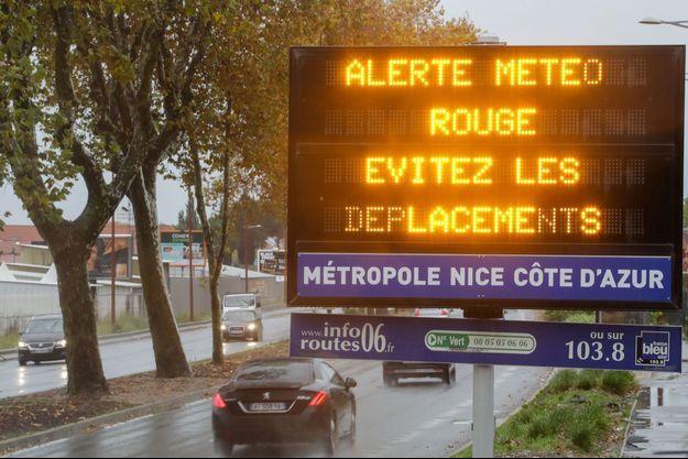 Cinq personnes mortes, dont trois secouristes, dans le Sud-Est de la France.