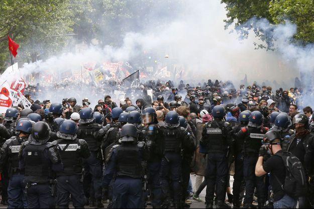 Des manifestations à Paris contre la Loi Travail