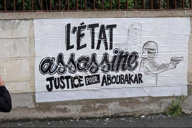 Une affiche à Nantes après la mort d'Aboubakar Fofana, tué lors d'un contrôle de police.