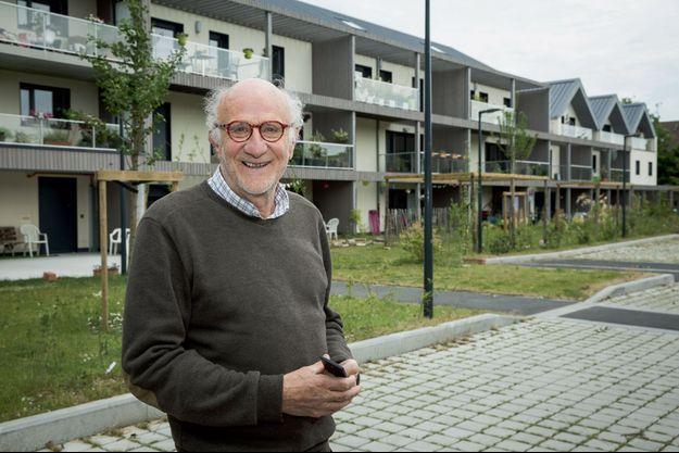 Régis Verley, 75 ans, un des initiateurs du projet ToitMoiNous à Villeneuve d'Ascq, en juin dernier.