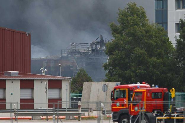 La fumée lors de l'incendie de l'usine de Lubrizol de Rouen, fin septembre.