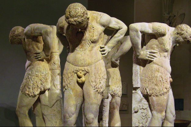 « Satyres en Atlante », IIe siècle, salle du Manège, au Louvre.