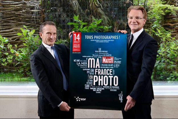 Henri Proglio, président d'EDF, et Olivier Royant, directeur de la rédaction de Paris Match, dévoilent l'affiche officielle de « Ma France en photo ».