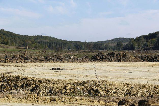 Sur le site du futur barrage, près de l'Isle-sur-Tarn.