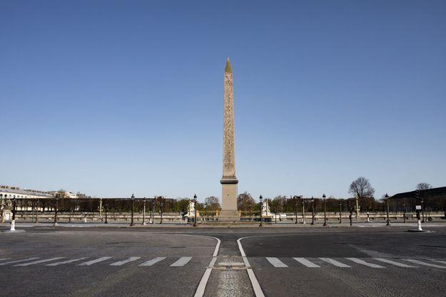 Place de la Concorde, vidée.