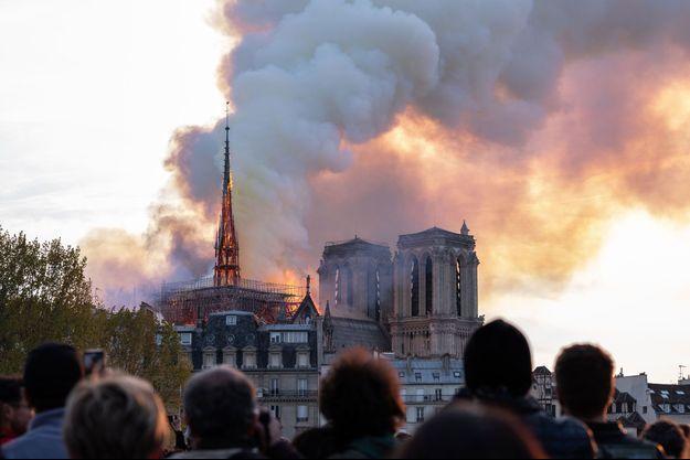 La flèche de Notre-Dame en feu, le 15 avril 2019.