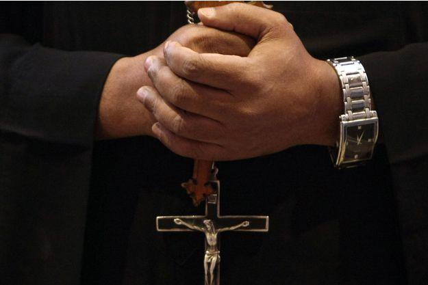 Le curé, condamné pour le viol sur mineur il y a une décennie, a été relevé de ses fonctions(image d'illustration)