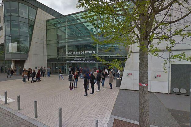 Le comportement suspect du jeune radicalisé avait entraîné la fermeture de la fac de droit de Rouen.