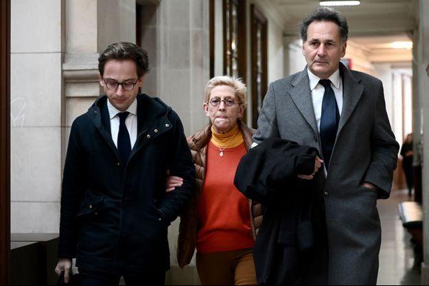 Isabelle Balkany, entourée de l'avocat de Patrick Balkany, Romain Dieudonne, et du sien, Pierre-Olivier Sur.
