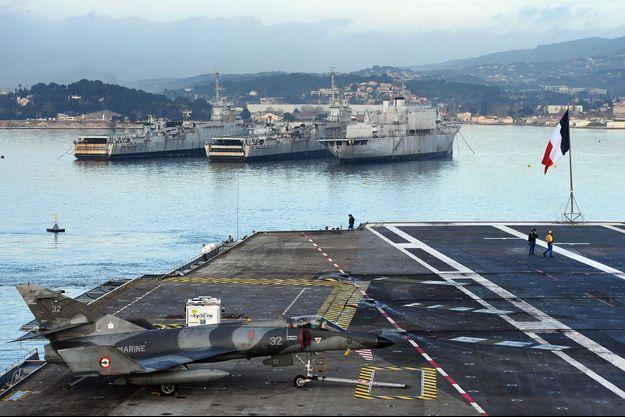Le port militaire de Toulon