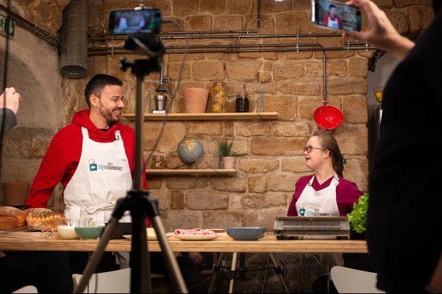 Inès et Florian On Air dans une vidéo des Chefs Extraordinaires.