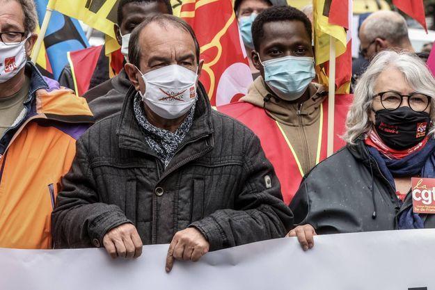 Cortège CGT dans la manifestation du 1er mai, journée internationale des travailleurs.