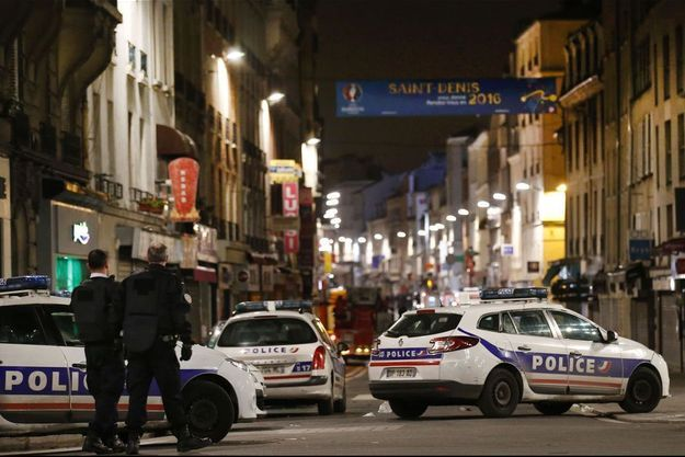 Les rues de Saint-Denis ont été évacuées