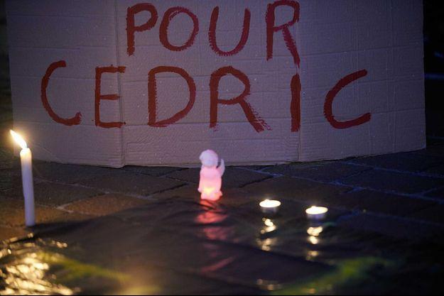 Une pancarte à la mémoire de Cédric Chouviat, à Toulouse, le 8 janvier.