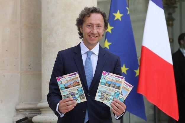 Stéphane Bern présente le loto du patrimoine.