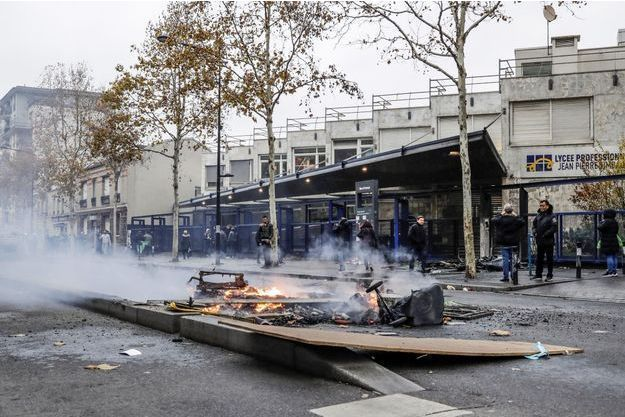 Incidents devant le lycée professionnel Jean-Pierre Timbaud à Aubervilliers