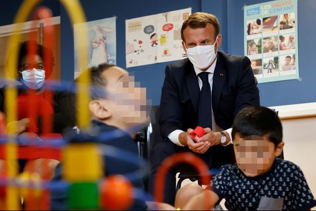 Emmanuel Macron à la Maison de la Petite Enfance de Longjumeau, le 23 septembre 2020.