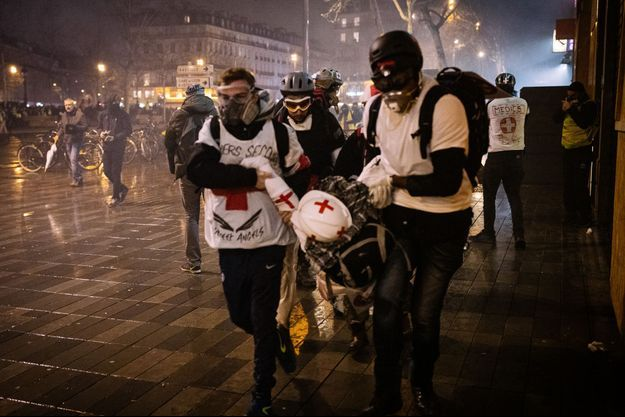 Des medics lors de l'acte 11, à Paris. (Photo d'illustration)