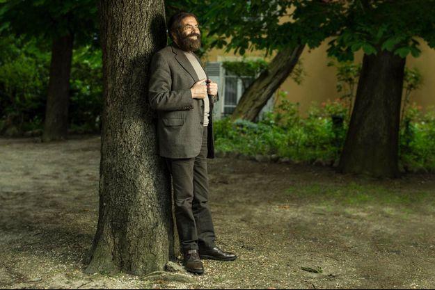 Samedi 1er juin, dans le jardin de l'église orthodoxe Saint-Serge, rue de Crimée, XIXe arrondissement de Paris. Dédié au dialogue interreligieux, ce lieu de culte abrite un institut international d'études théologiques.